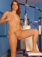 Long legged sporty brunette Brooke fingering sweet