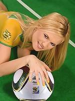 Australia's Yasmine Gold naked