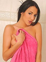 Naomi Montana toying in shower